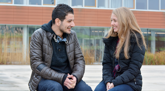 Ahmad is studying Biology on LMU's campus in Martinsried. Fellow-student Charlotte is helping him through his first semester.