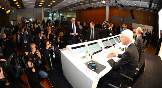 A VW press conference on the company's investigation of the emissions scandal. Source: picture-alliance / CITYPRESS-24