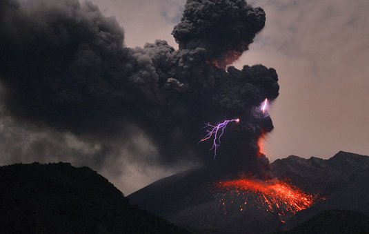 Volcanic lightning. Picture: Martin Ritze