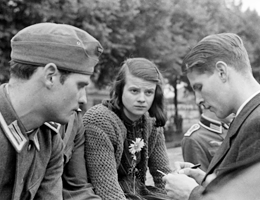 """Law changes, the conscience doesn't."" Hans Scholl, Sophie Scholl und Christoph Probst"