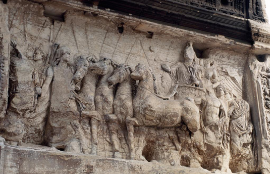 The triumphal procession of Titus: The Arch of Titus in the Roman Forum was erected in honor of the Emperor Titus, and celebrates his conquest of Jerusalem in the year 70 CE. Photo: akg-images/De Agostini Picture Lib./G. Dagli Orti