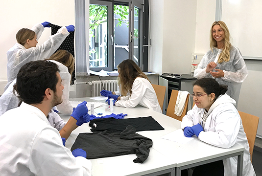 Dr. Marta Diepenbroek and her students are using forensic techniques to solve crimes. Photo: Marta Diepenbroek
